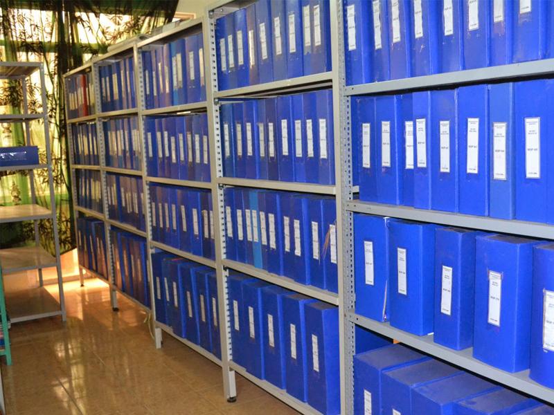Cách sắp xếp tài liệu lên kệ hồ sơ