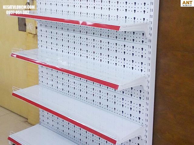 Ưu điểm của kệ siêu thị tôn đục lỗ